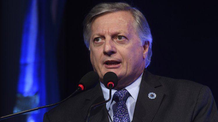 El ministro admitió que puede haber un aumento de luz hacia fin de año