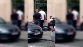 Un hombre atacó a dos soldados en Bruselas