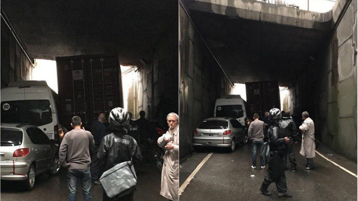 Un camión causó un incidente en la autopista 25 de Mayo (6onzal0)