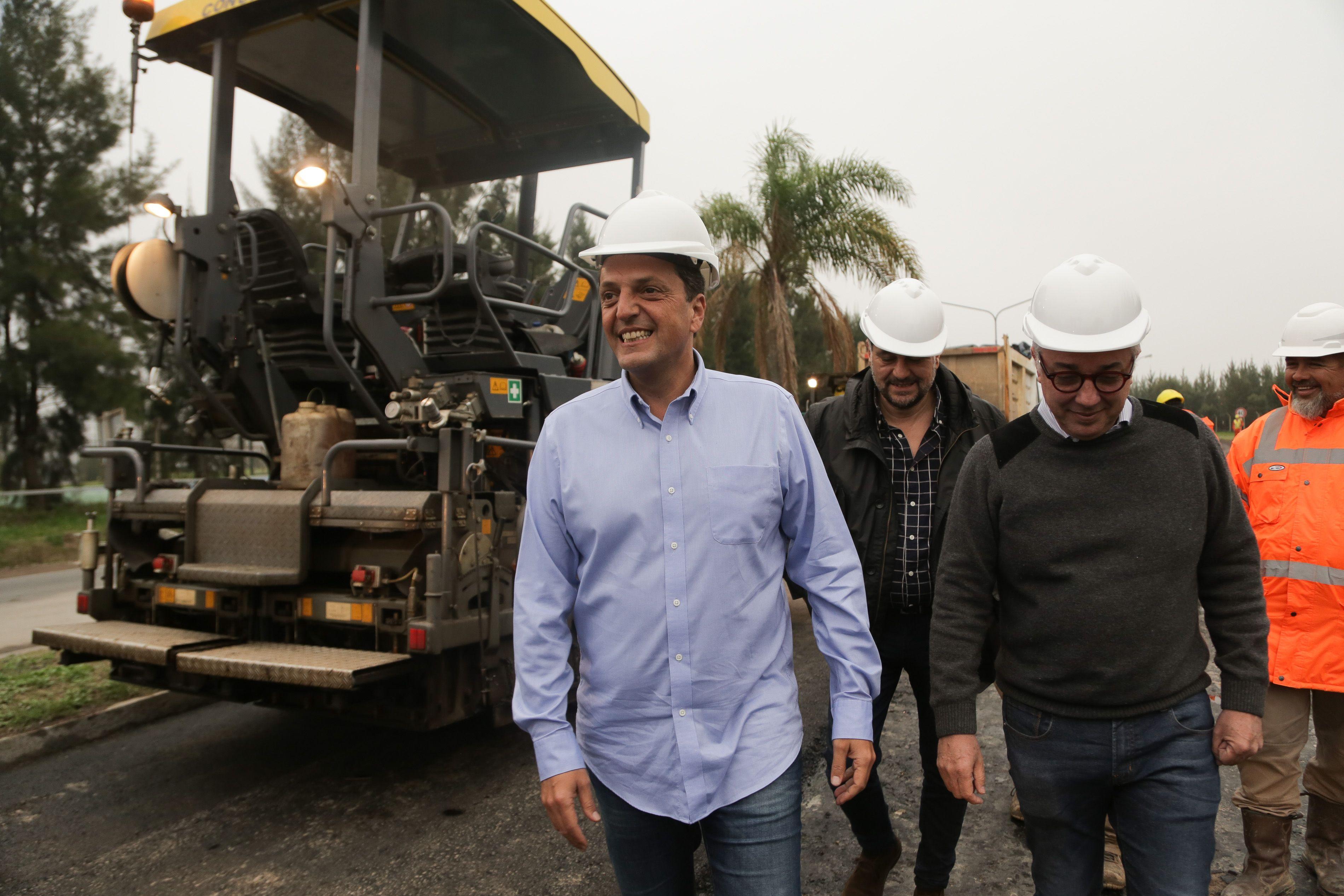 Massa recorrió las obras de pavimentación en Tigre