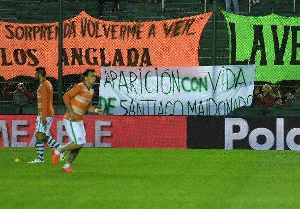 Reclamo por Santiago Maldonado en el partido entre Banfiel y Belgrano<br>
