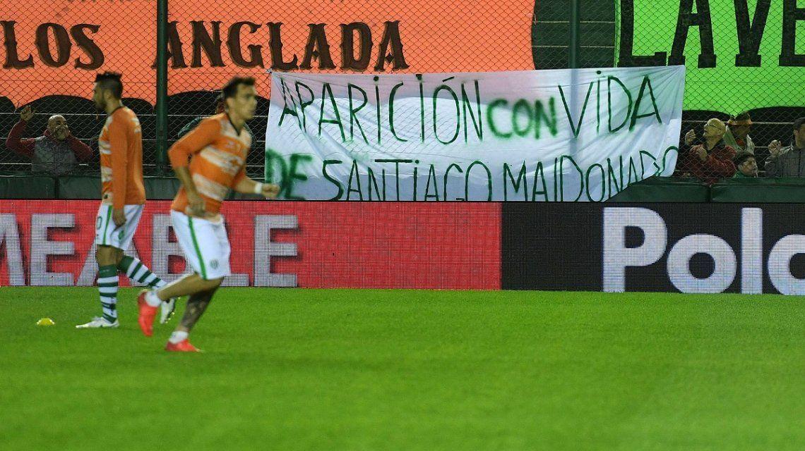 Reclamo por Santiago Maldonado en el partido entre Banfiel y Belgrano