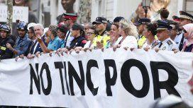 Miles de personas manifiestan su rechazo al terrorismo en Barcelona