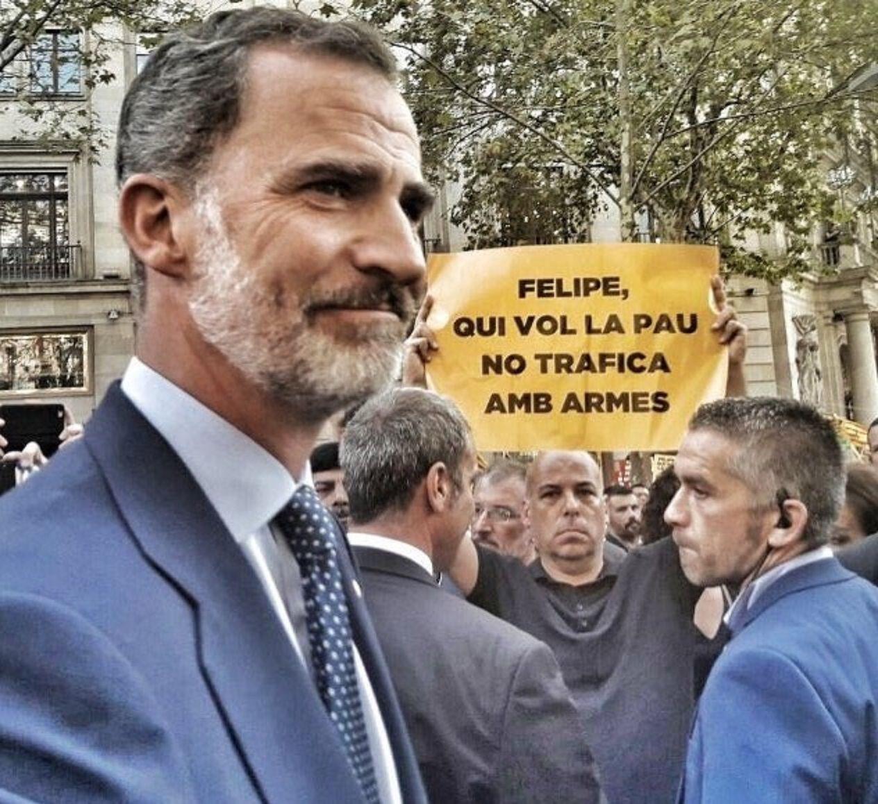 Reclamos contra el rey Felipe VI durante la manifestación en Barcelona