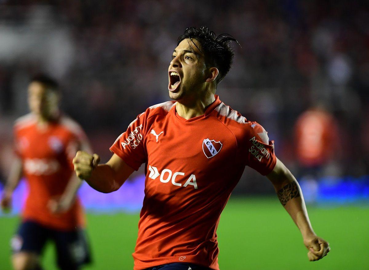 Segundo gol de Martín Benítez para Independiente ante Huracán