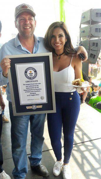 Así exhibían el certificado del Guinness<br>