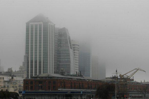 Niebla en Puerto Madero
