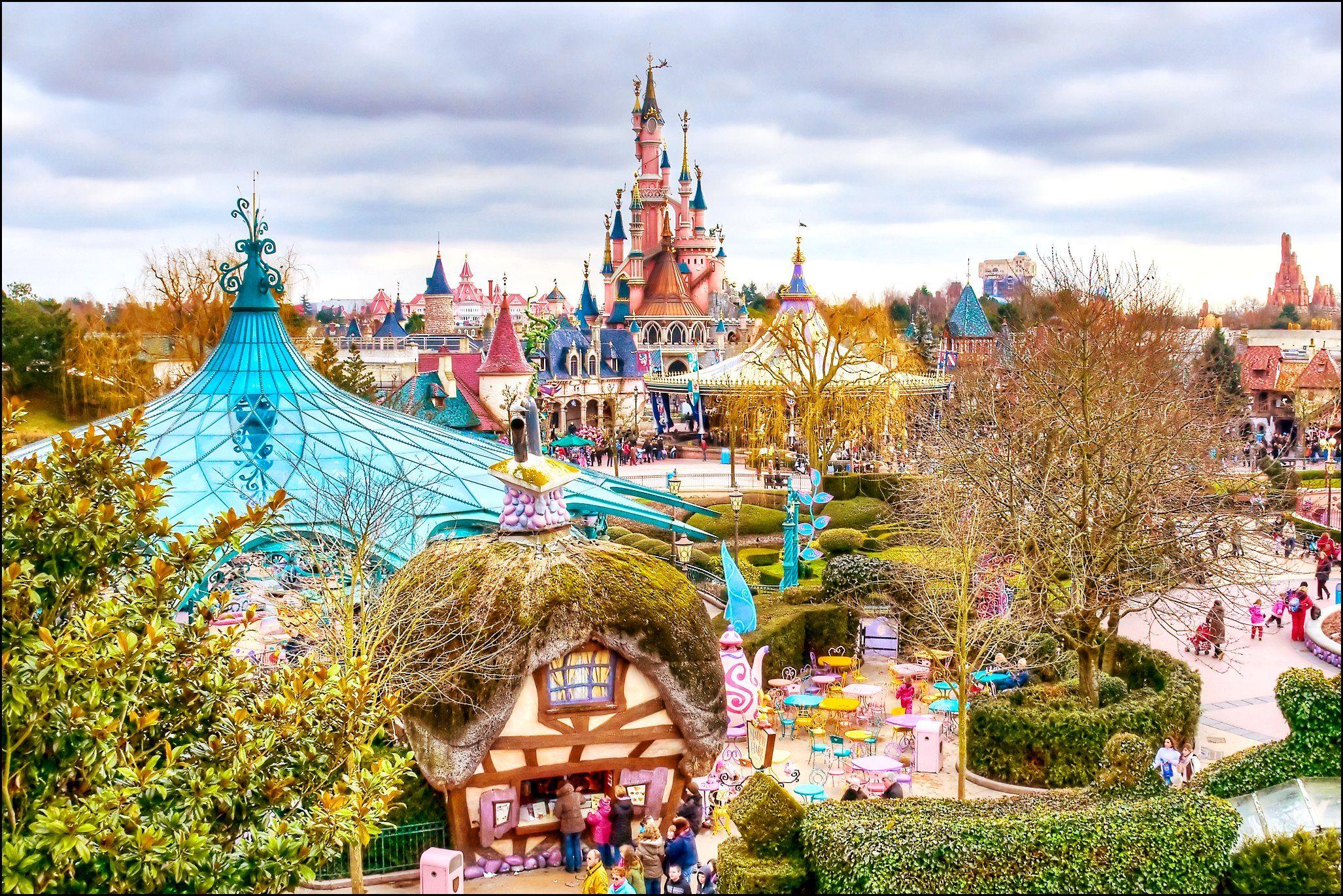 Europa tiene parques de diversiones impresionantes para ir con chicos