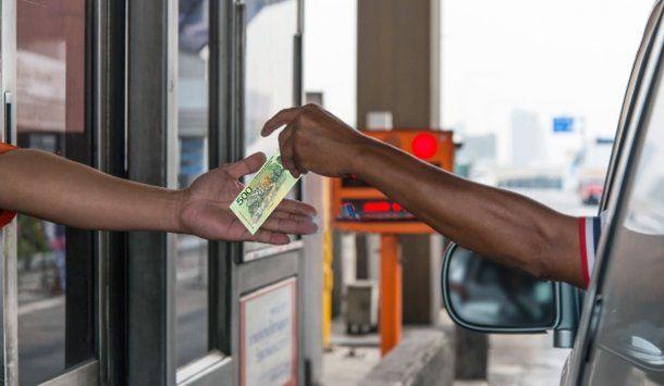 Córdoba: buscan a un hombre que pagó el peaje con $500 y se fue sin el vuelto<br>