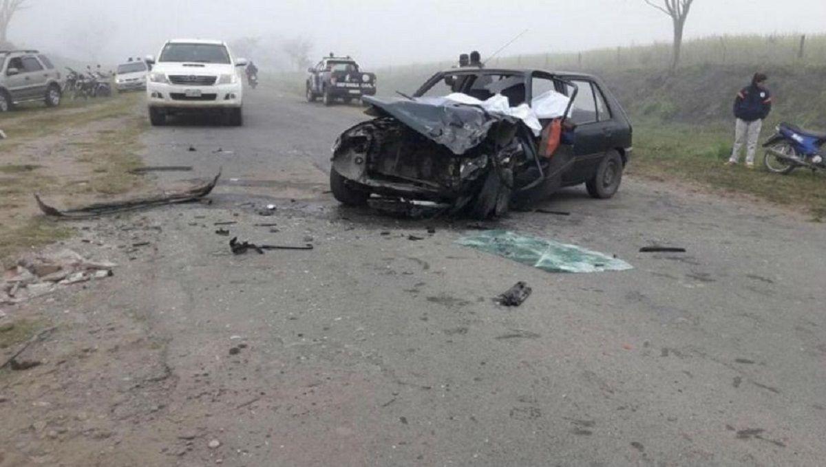 Una pareja murió tras chocar su auto contra un tractor
