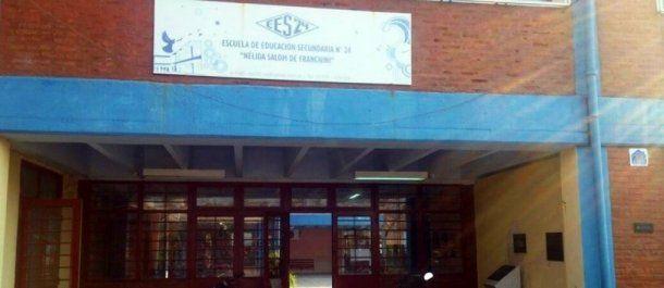 Pusieron candados en la EES N° 24, excolegio Nacional, de Villa Ángela, Chaco