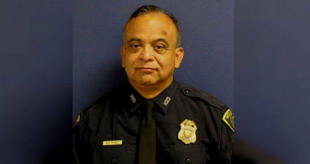 Perez tenía casi 61 años y 34 de servicio como policía  en Houston