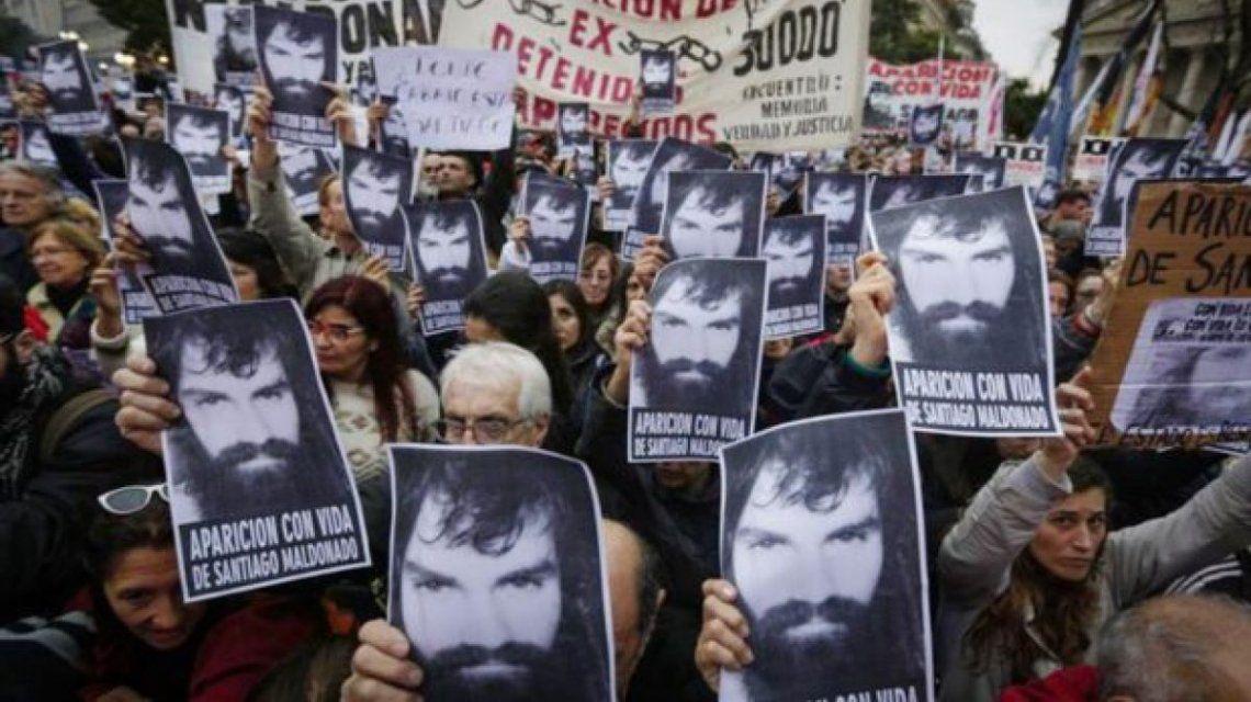 Ofrecen dos millones de pesos por información de Santiago Maldonado