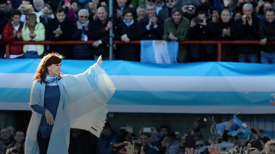 Oficial: Cristina Kirchner se impuso por el 0,21% de los votos en las PASO