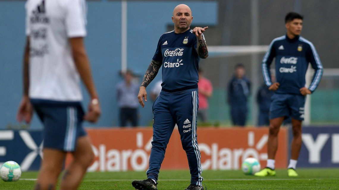 Sampaoli mantiene dos dudas para enfrentar a Uruguay