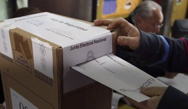 Urna de las elecciones<br>