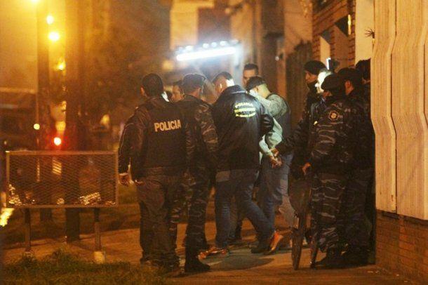 Así se llevaban detenido de su casa a Villalba el 16 de agosto.