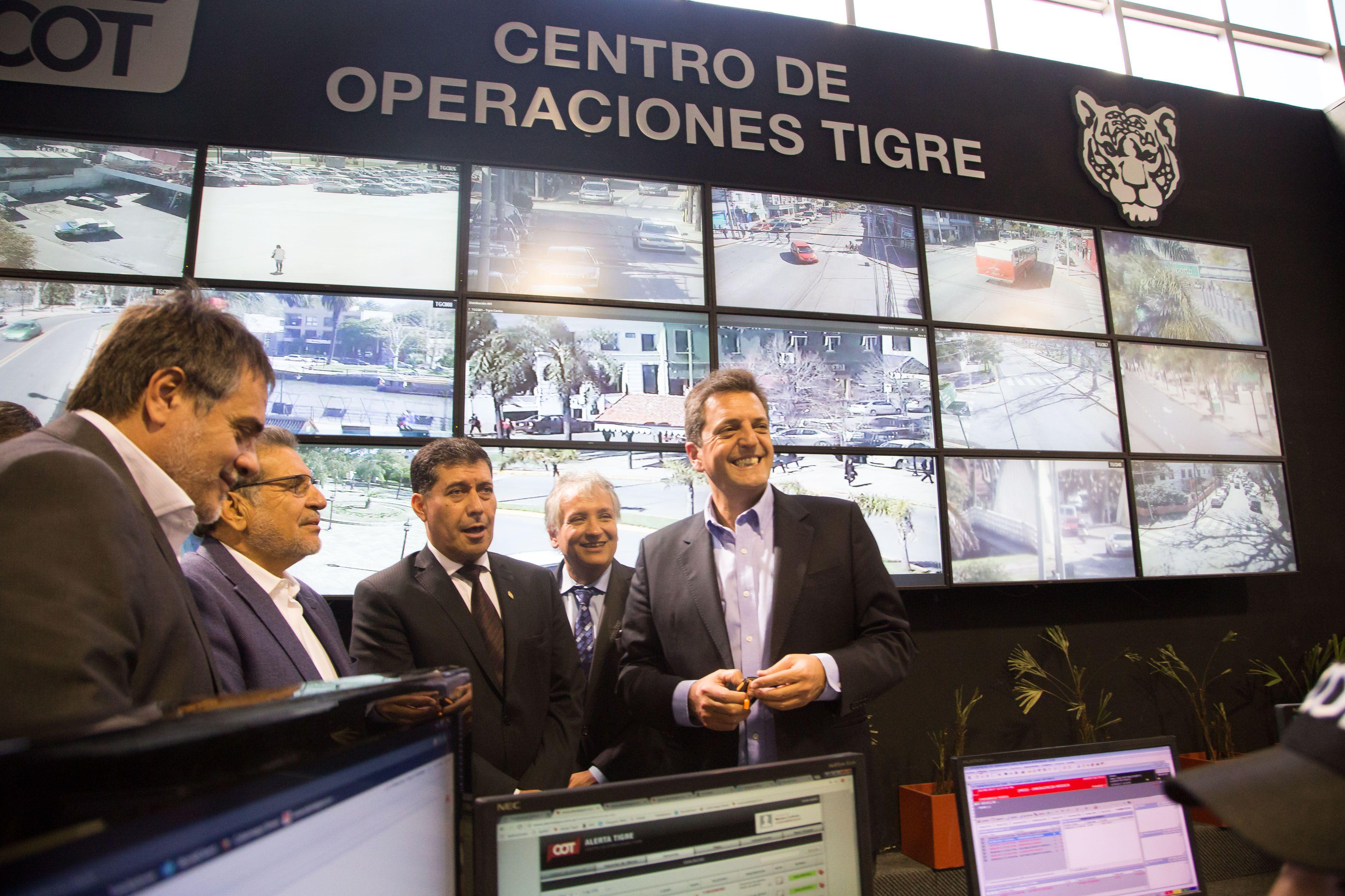Massa ySergio Casas en elCentro de Operaciones Tigre