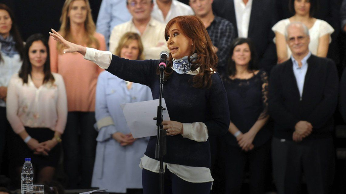 Cristina Kirchner relanzó la campaña electoral en La Plata