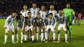El equipo que saltó a la cancha frente a Uruguay