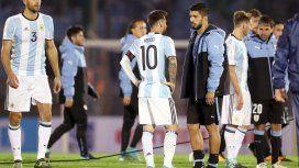 Los amigos Messi y Suárez, al final del encuentro