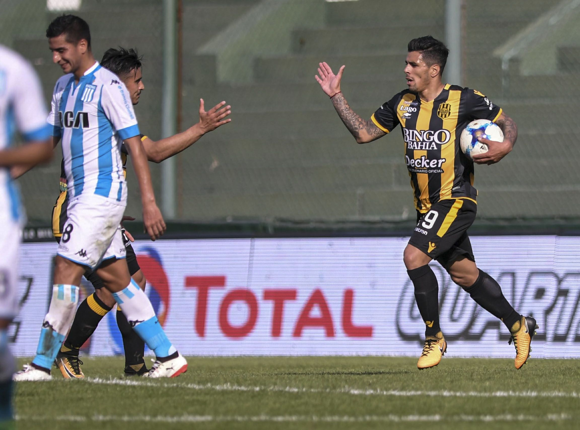 Olimpo destrozó a Racing