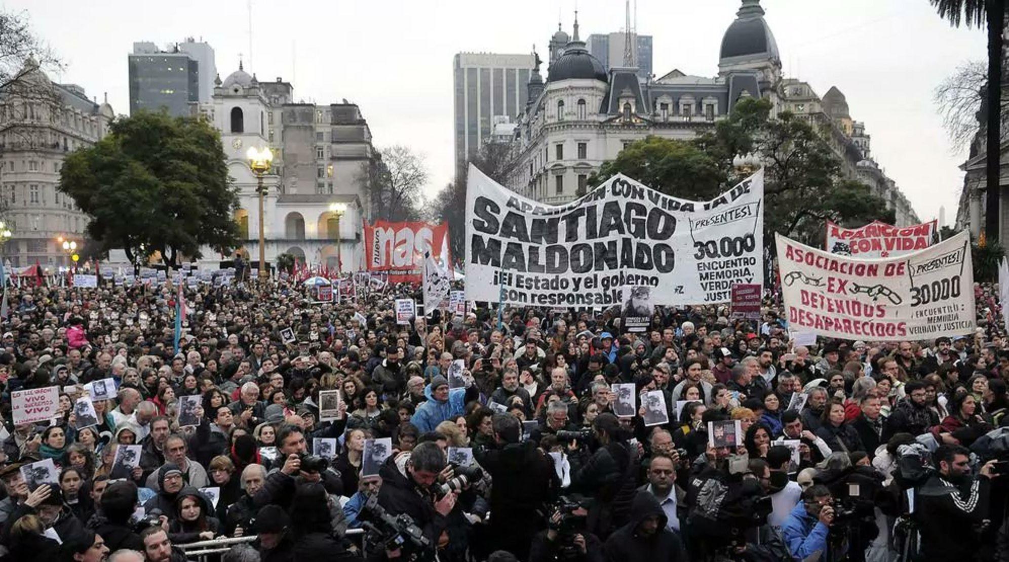 Marcha por la aparición con vida de Santiago Maldonado en Plaza de Mayo
