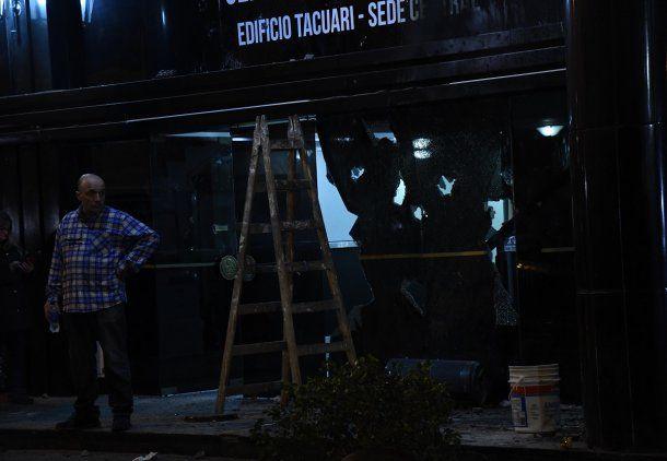 Atacaron a piedrazos una sede de la mutual de Gendarmería<br>