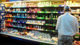 Más de la mitad de los porteños y bonaerenses redujo el consumo de carnes y lácteos