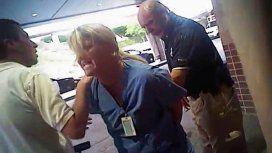 VIDEO: El violento ataque de un policía a una enfermera