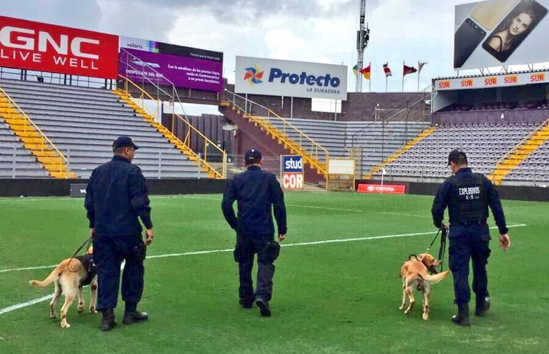 Evacuaron un estadio en Costa Rica por una falsa amenaza de bomba