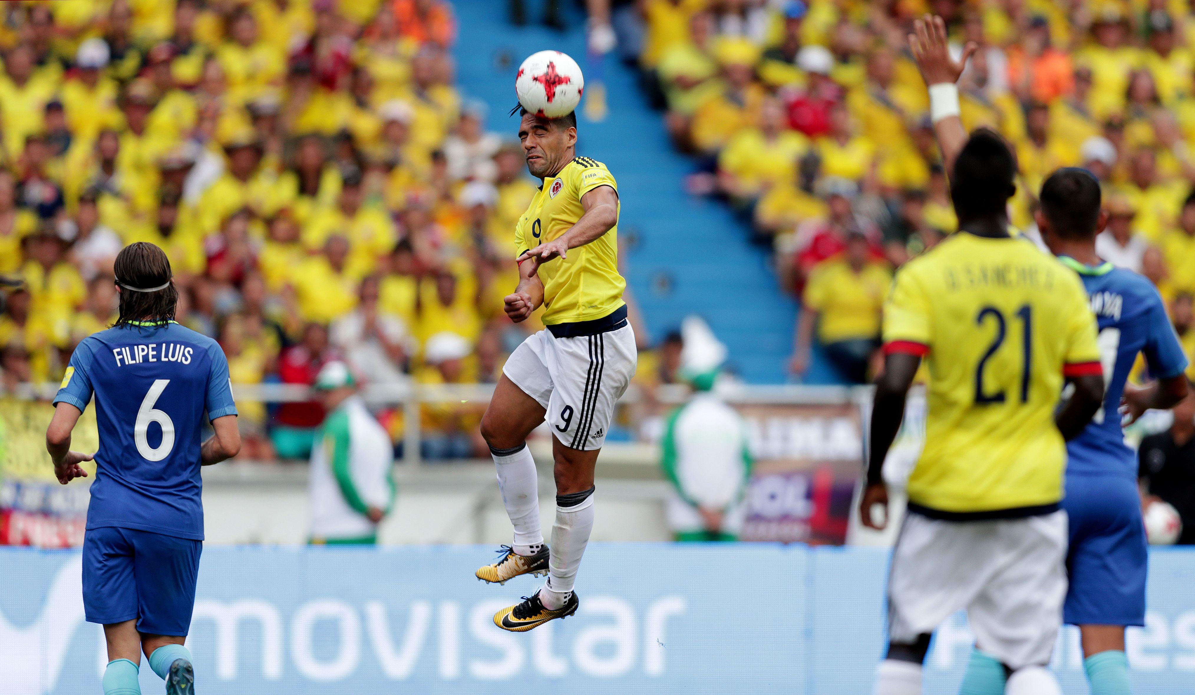 Apareció Falcao y salvó a Colombia, que la pasó mal ante Brasil