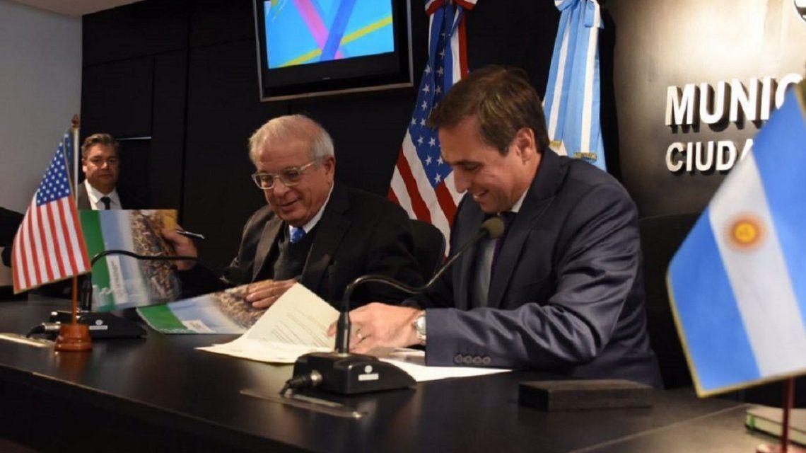 Mestre y el alcalde de Miami asumieron el compromiso de trabajar juntos