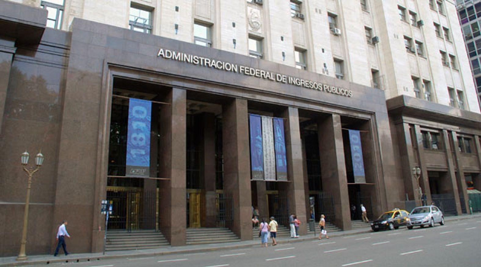 La AFIP recibió los datos de 35.000 cuentas bancarias de argentinos en el exterior