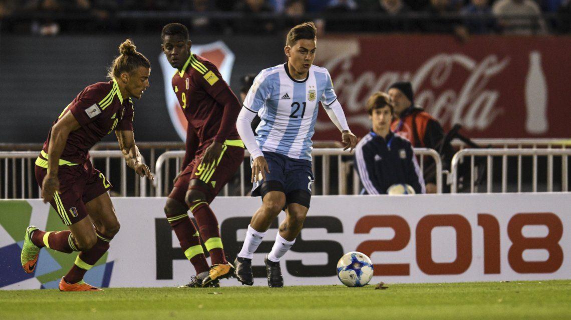 Dybala con la camiseta de la Selección frente a Venezuela
