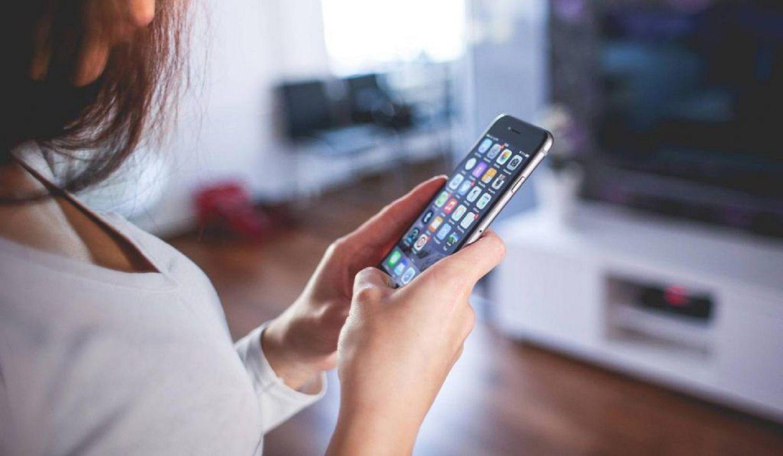 Cada vez son más los usuarios que reportan que sus smartphones lo escuchan