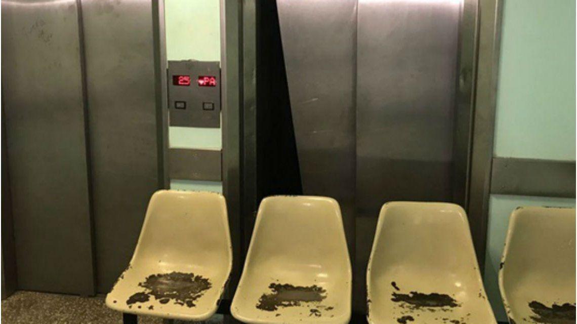 Este es el ascensor en el que se apoyó el nene de 2 años