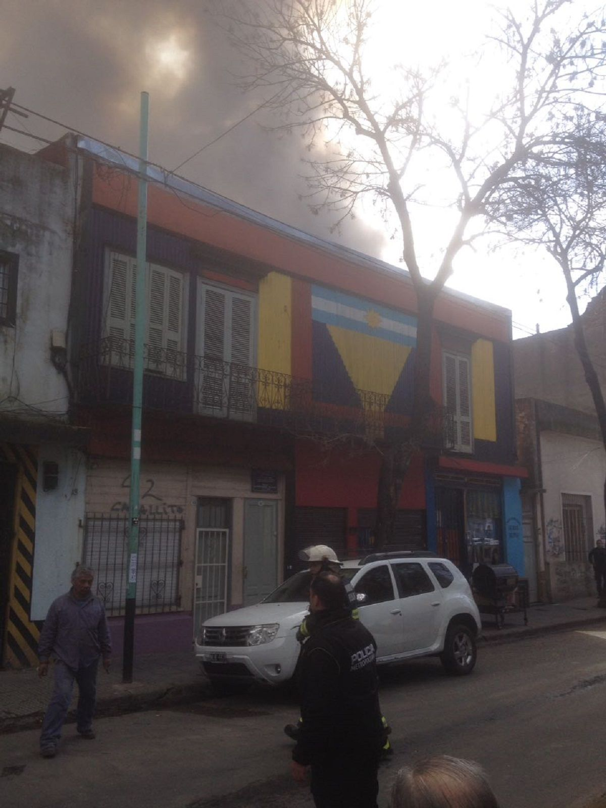 Voraz incendio destruye un comedor infantil en La Boca