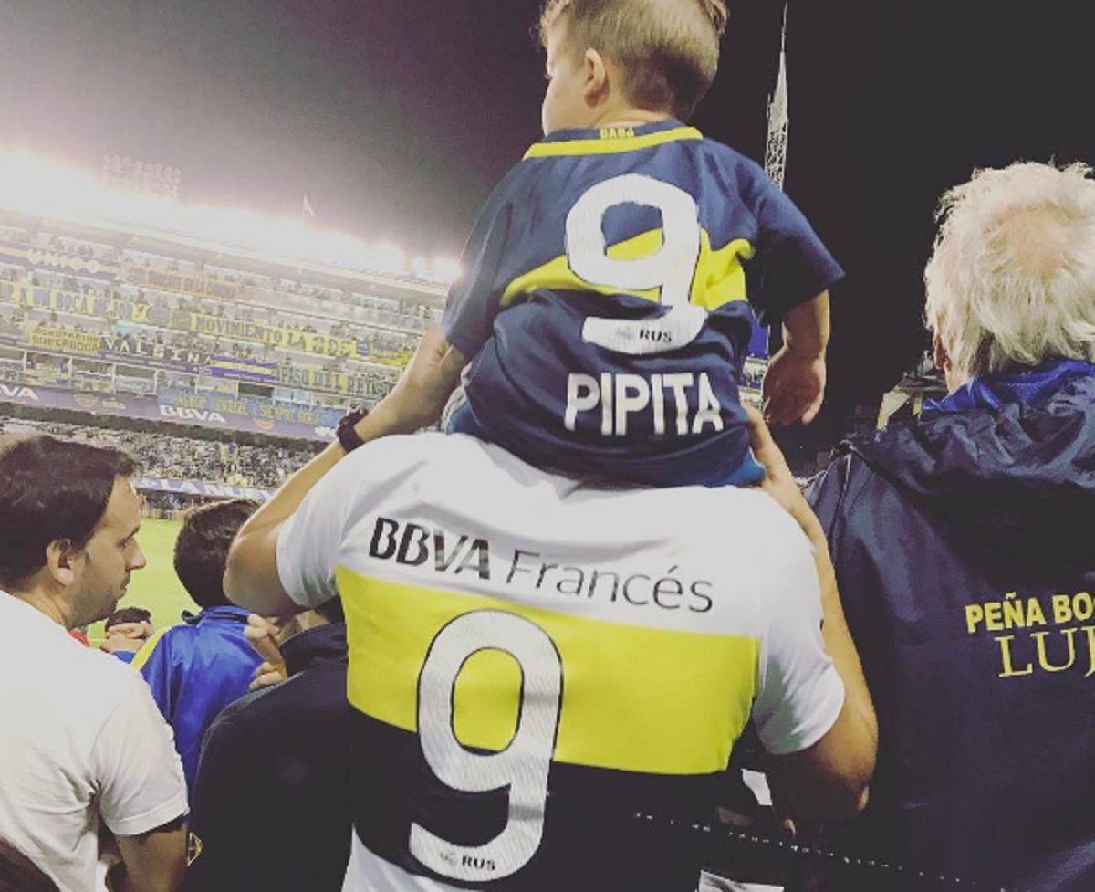 El pequeño Felipe sigue a su padre a todos lados