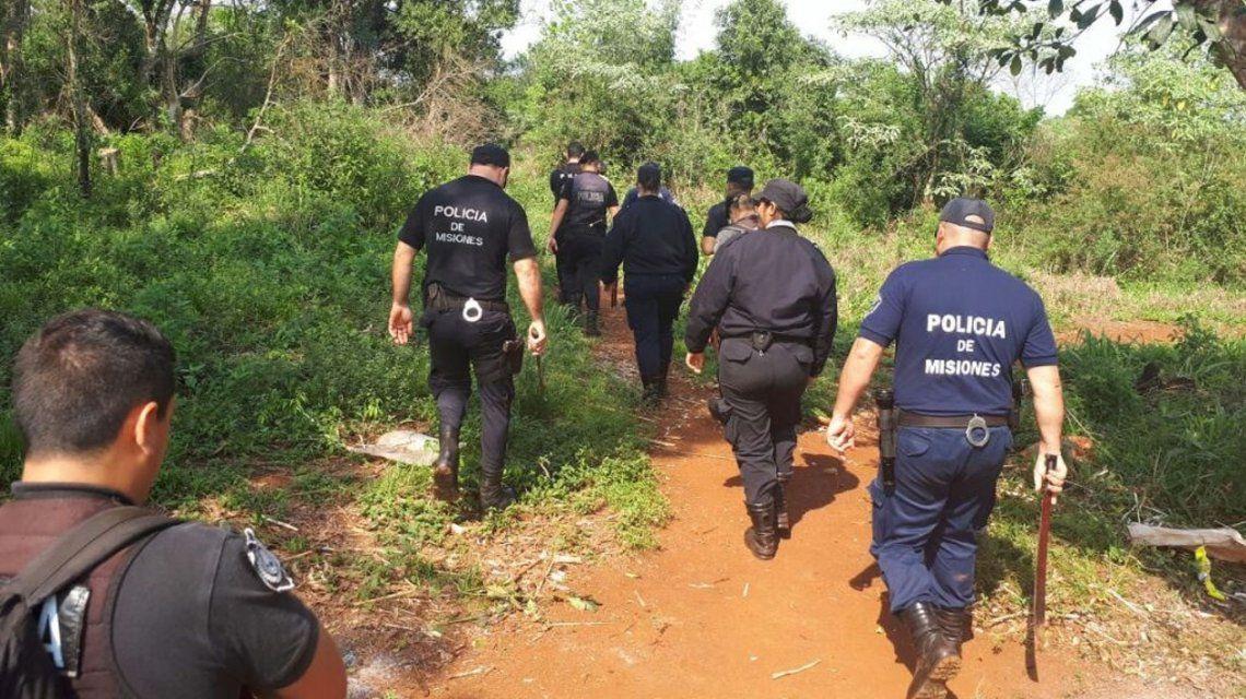Buscan a dos hermanitos perdidos en Misiones: creen que los raptó su tío