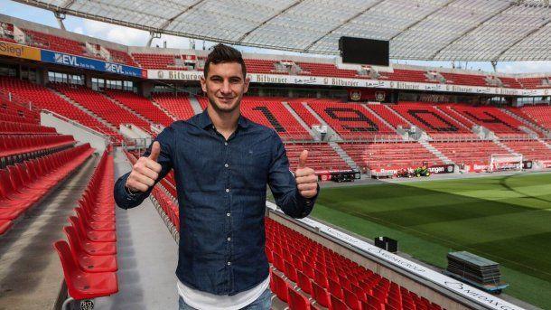 Lucas Alario en el estadio de Bayer Leverkusen<br>