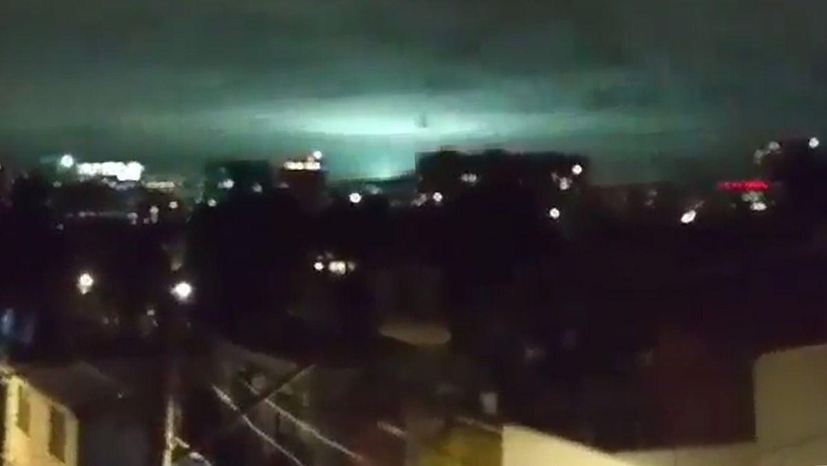 Luces de terremoto, el extraño fenómeno que se vio en el cielo de México