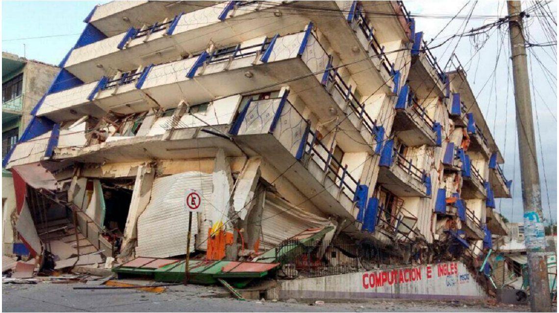 Un fuerte terremoto en México dejó al menos 35 muertos.