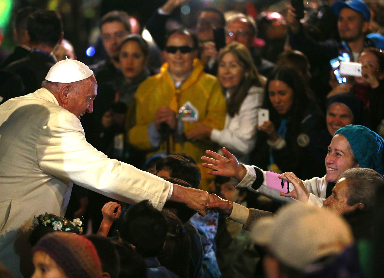 Francisco saludó a los fieles en el aeropuerto José María Córdova de Rionegro