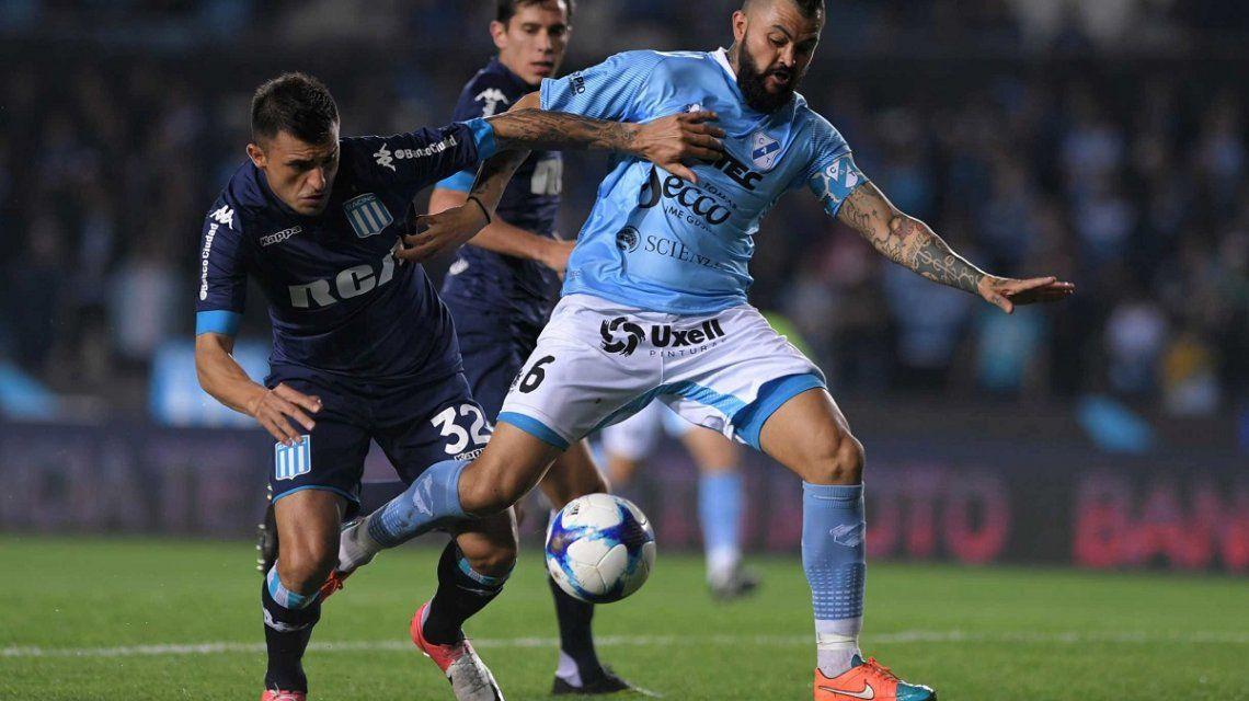 Racing goleó a Temperley en Avellaneda