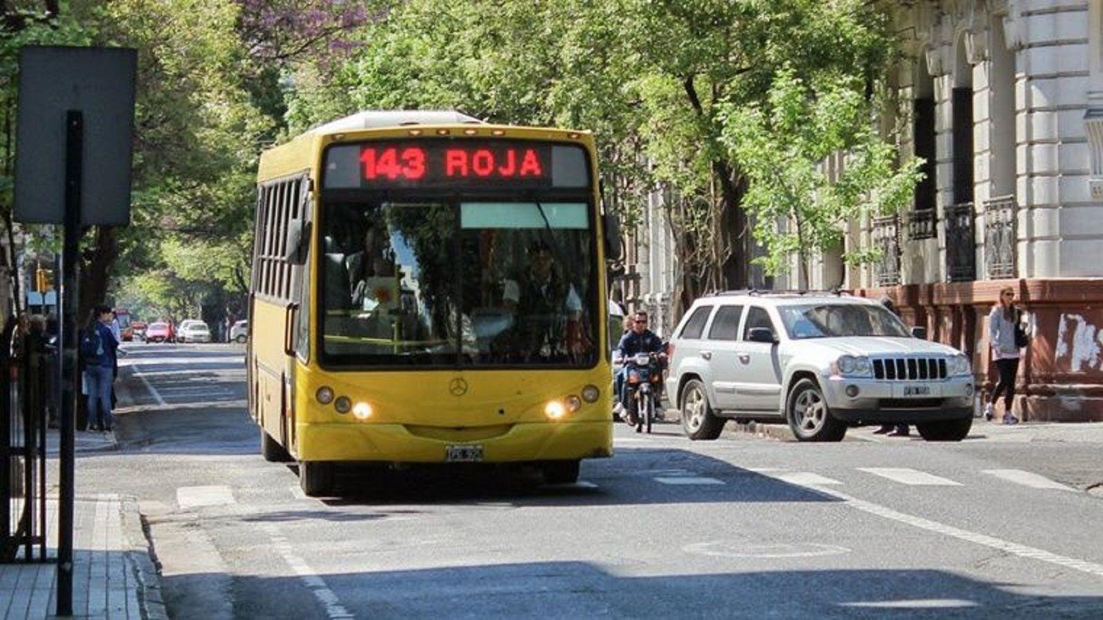 Un hombre murió de un paro cardíaco mientras conducía un colectivo en Rosario