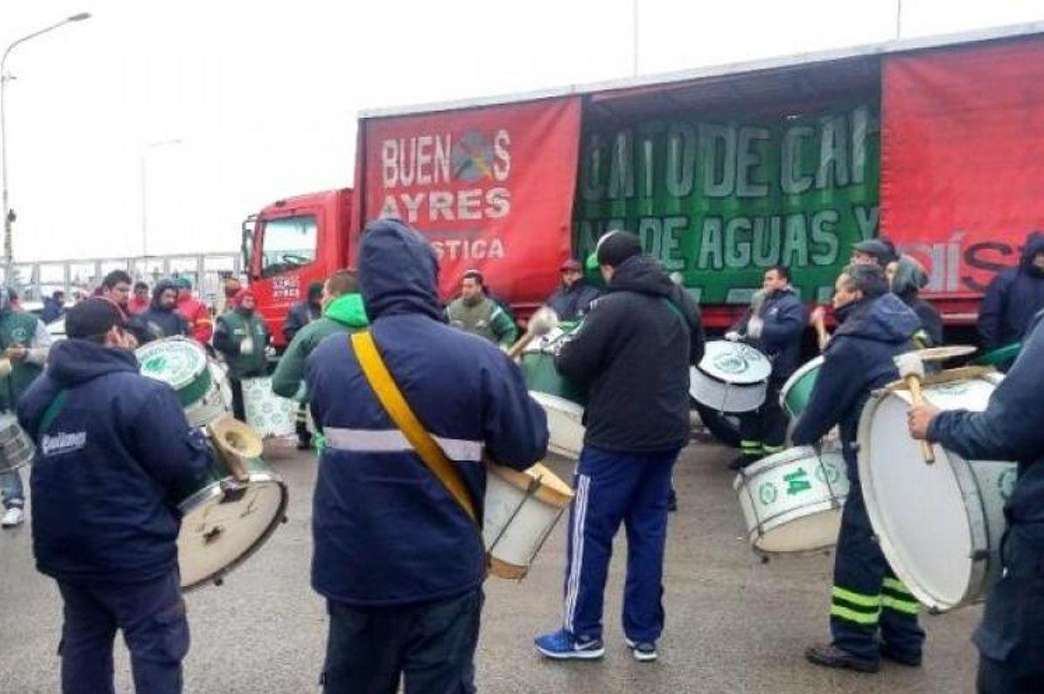 Sigue paro de Camioneros y nos quedamos sin Coca