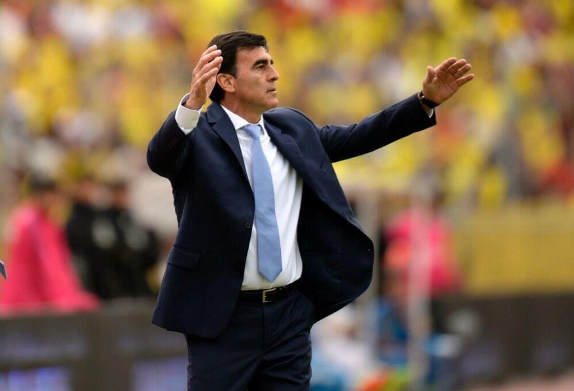 Echaron a Gustavo Quinteros como DT de Ecuador