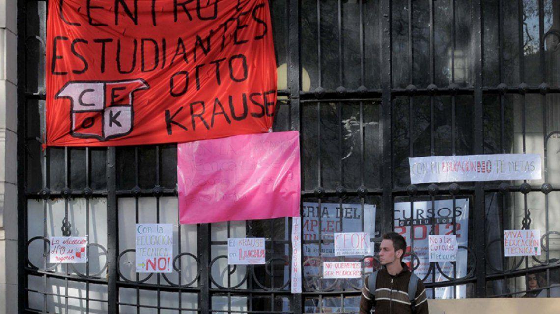 La Justicia suspendió el instructivo ante la toma de colegios en la Ciudad