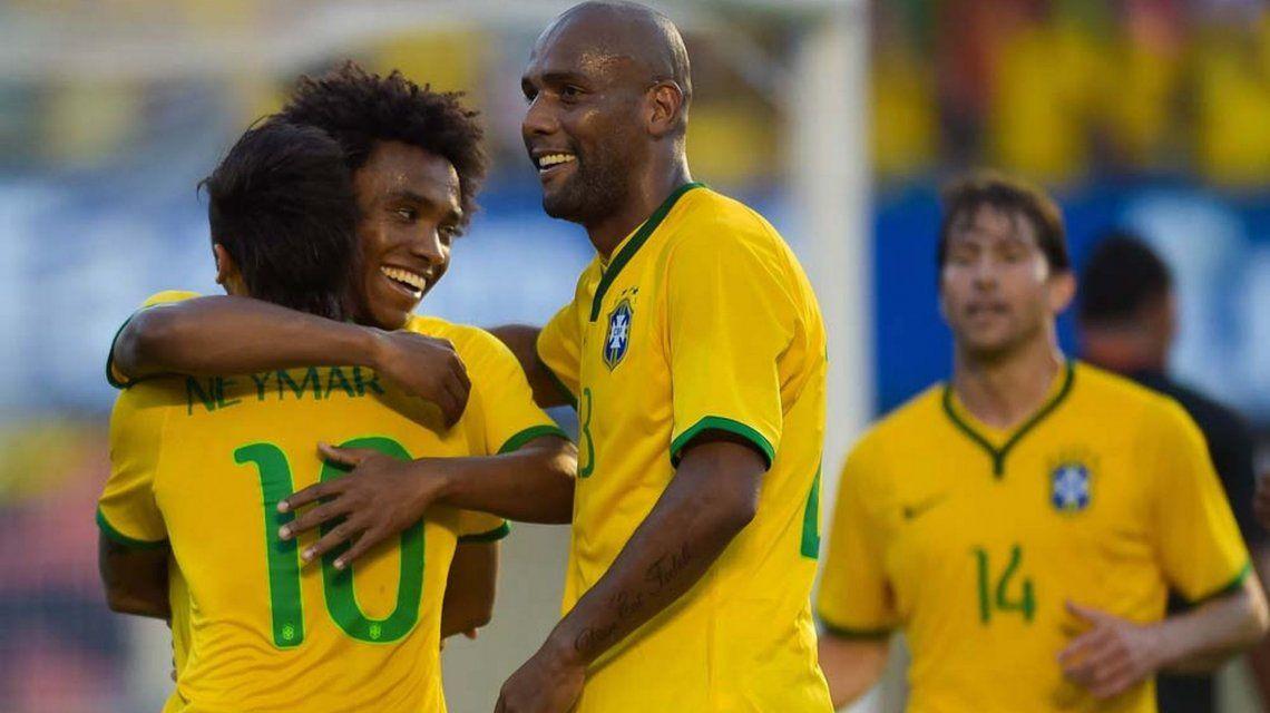 Denuncia contra Maicon, ex Selección de Brasil: Llegaba borracho todos los lunes